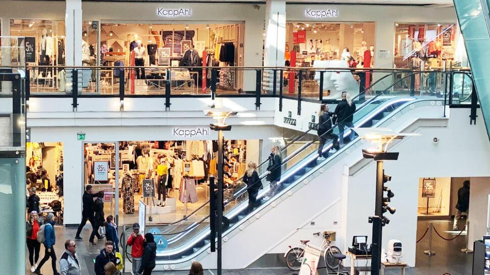 4b0719a1 DE VIKTIGE KUNDENE: De fysiske butikkene blir stadig færre, og mange  kjøpesentre sliter.