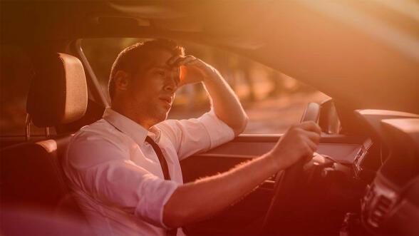 Det er godt med sol og sommer, men en varm bil kan være veldig ubehagelig.