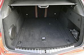 Det er bra plass i Stelvio – både i baksetet og bagasjerommet.