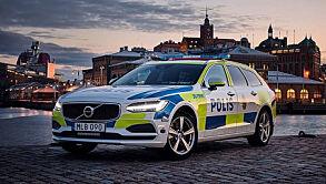 Ikke overraskende: Også svensk politi har sans for Volvo V90. Foto: Polisen.