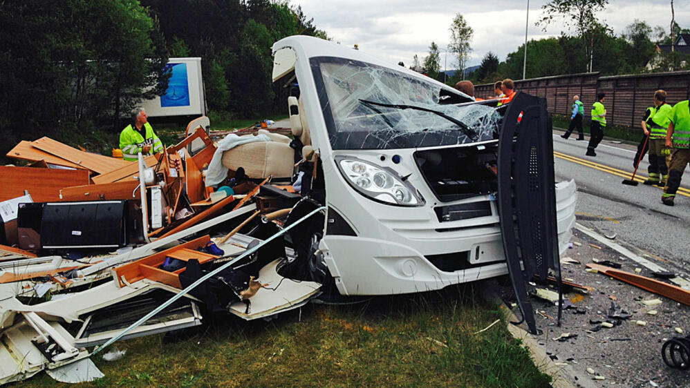 Uvanlig Lastebilsjåfør (54) omkom etter kollisjon med bobil SL-61