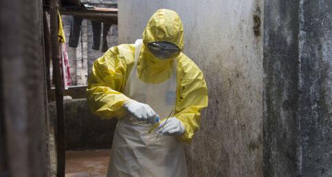 Infeksjonslege om ebola: - Usikkert om friskmeldte blir helt