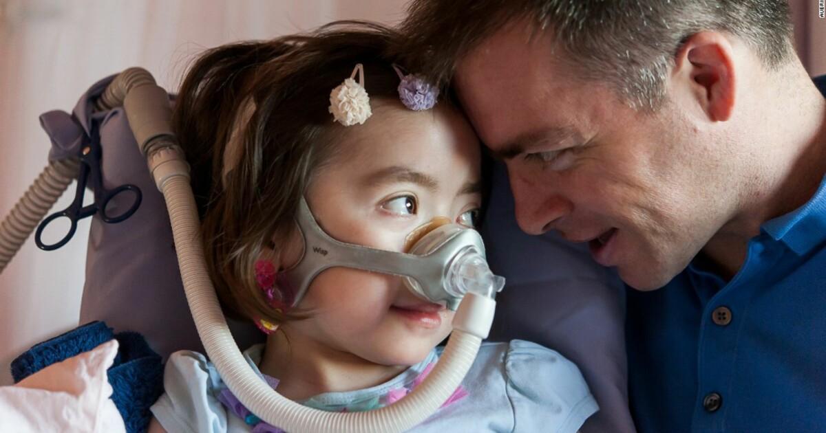 Det knuser foreldrenes hjerte å oppfylle Juliannas (5 ...