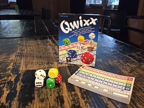 0297a53c Terningspillet Qwixx er et av familiens nye favorittspill. Foto: Pernille  Dvergedal