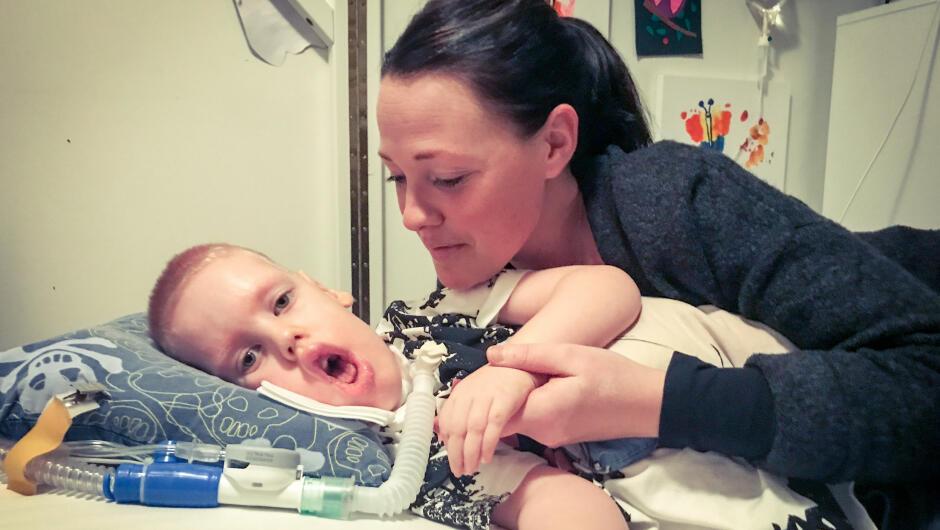 Elin Frykter At Sønnen William 6 Dør Mens Hun Er På Jobb