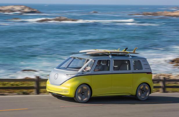 Det er ikke vanskelig å se hvilken bil ID. BUZZ er inspirert av. Den kommer i 2022.
