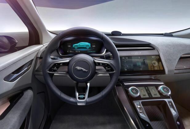 Slik ser dashbordet i konseptbilen ut, det blir neppe veldig store endringer til produksjonsklar bil.