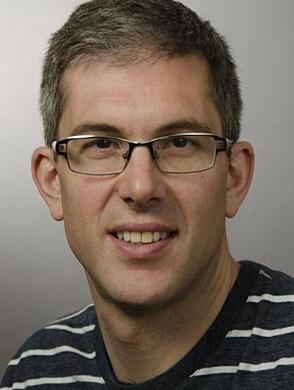 PROFESSOR: Hrvoje Miletic er nevropatolog og selv forsket på nye behandlingsmetoder for hjernekreft. Foto: UiB