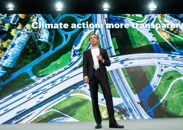 Bosch-sjefen Volkmar Denner er ingen smågutt i bilbransjen. Nå er det nok mange som håper han kan holde ord rundt rensing av diesel. Foto: Scanpix.
