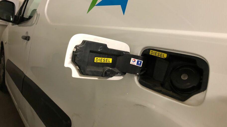 Diesel i bensinbil